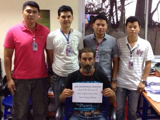 italiano arrestato phuket per visto scaduto
